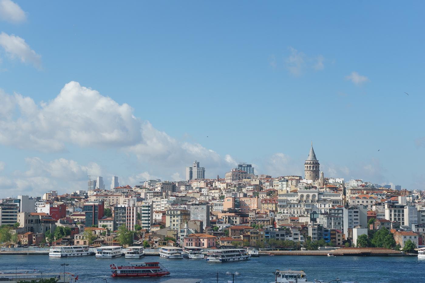 Профессиональный фотограф в Стамбуле для проведения фотосессии